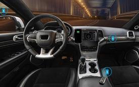 Sạc không dây trên ô tô không cần đặt điện thoại một chỗ: Sạc qua 'sóng', cầm làm gì, ngồi đâu cũng được