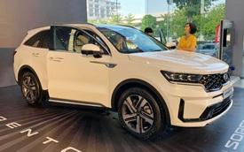 Kia Sorento 2021 về đại lý, dân tình xôn xao xe bị 'cắt' trang bị