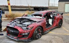Góc chơi lớn: Sở cứu hỏa phá hủy Ford Mustang Shelby GT500 đời mới phục vụ buổi diễn tập