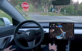 Tesla tung hệ thống tự lái hoàn chỉnh: Đại gia nóng lòng chờ xe, cơ quan an toàn lo 'phát sốt'