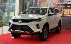 Toyota Fortuner Legender 2021 ồ ạt về đại lý: Phiên bản cao cấp thay thế TRD Sportivo, giá từ 1,195 tỷ đồng