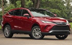 Góc tranh cãi: Thuê Toyota Venza ngang giá thuê xe sang Lexus