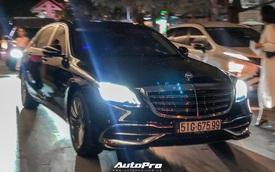 """Tiệc cưới Công Phượng: Xe sang ra vào tấp nập, Lexus chiếm đa số, HLV Park Hang-seo và dàn cầu thủ đi """"xe lạ"""" đến dự"""