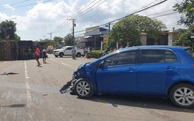 Khoảnh khắc đánh lái tránh nữ tài xế, xe ben lật nghiêng gây tai nạn kinh hoàng