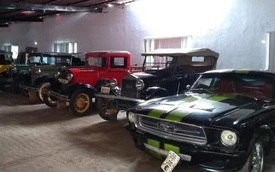 Bất ngờ trước bộ sưu tập xe hơi bị thu giữ của cảnh sát trưởng thành phố Mexico