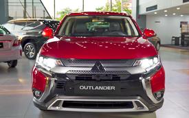 Mitsubishi Outlander dồn dập khuyến mãi, miễn trước bạ gần 100 triệu đồng, phả hơi nóng lên Honda CR-V