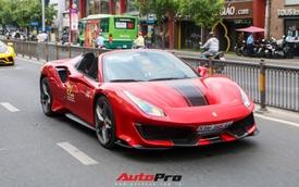 Hoàng Kim Khánh lần đầu cầm lái, 'khoe' khả năng mở mui của Ferrari 488 Pista Spider trên đường phố Việt