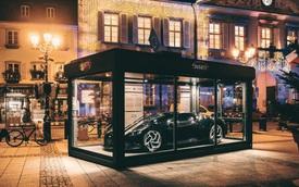 Siêu xe Bugatti La Voiture Noire được 'đóng hộp' đón Giáng sinh, cách làm gợi liên tưởng tới VinFast President