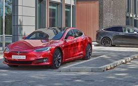 Các chuyên gia cảnh báo 'bong bóng' Tesla