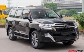 Cận cảnh Toyota Land Cruiser VX.S V8 2021 giá hơn 8 tỷ đồng: Lựa chọn 'thay thế' mẫu Lexus LX 570 cho đại gia Việt