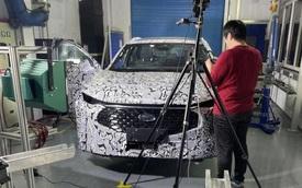 Ford Mondeo 'hồi sinh': Kiểu dáng lạ lùng, nội thất sang chảnh với màn hình siêu dài