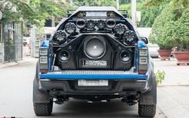 Ford Ranger Raptor của dân chơi Sài Gòn gắn dàn âm thanh trị giá 1,8 tỷ - Tiền độ đắt hơn tiền xe