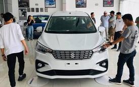 Thị trường ô tô Việt Nam tuột dốc, giá xe có giảm?