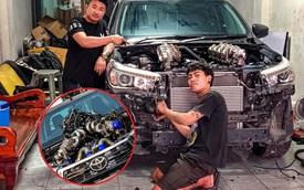 Dân chơi độ Toyota Hilux với 8 turbo, ai nhìn khoang động cơ cũng choáng váng