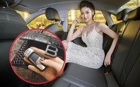 Á hậu Tú Anh khoe chồng tặng xe Audi trong lễ tình yêu, trên tay cầm vật khiến ai cũng tò mò