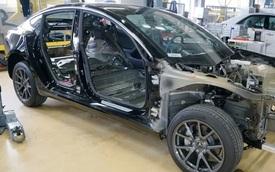 """Mổ máy Tesla, báo Nikkei thừa nhận xe Nhật thua kém 6 năm, kỹ sư xe Nhật nói: """"Không làm được thứ tương tự"""""""