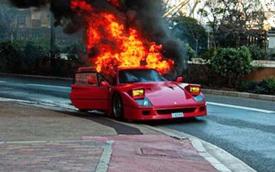 Xót xa Ferrari F40 bốc cháy dữ dội, chủ xe chỉ còn cách bán sắt vụn