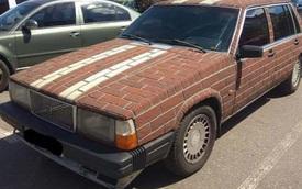 Nếu đã chán sơn đi sơn lại, bạn hãy thử cách chủ xe Volvo dưới đây trang hoàng lại xế cổ của mình