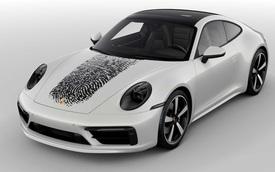 Đỉnh cao 'móc túi' người dùng: In vân tay lên nắp capo Porsche 911 mất gần 200 triệu đồng để khẳng định chủ quyền