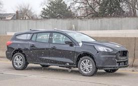Ford Transit mới chạy thử nhưng thiết kế siêu dài, siêu dị mới đáng chú ý