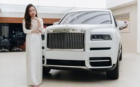 Những bóng hồng đa sắc bên Rolls-Royce Cullinan chính hãng đầu tiên Việt Nam