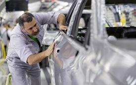 Các hãng xe lớn tại châu Âu đồng loạt đóng cửa nhà máy vì COVID-19, xe nhập về Việt Nam trước nguy cơ khan hàng