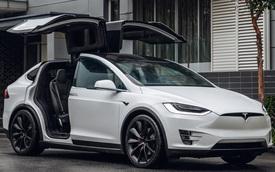 Tesla bị khách hàng chỉ trích vì tự ý cắt bớt tính năng trên xe cũ
