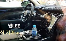 Hyundai Tucson đời mới lộ thêm ảnh từ trong ra ngoài: Cần số điện tử, màn hình kỹ thuật số lần đầu tiên xuất hiện, Honda CR-V cần dè chừng