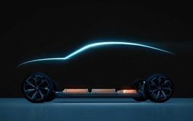 Xuất hiện xe bí ẩn nghi Chevrolet Camaro EV, 'fan' Transformers không biết nên vui hay buồn khi 'idol' chạy... điện