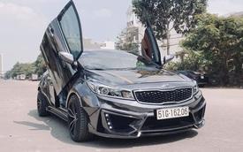 Dân chơi Sài Gòn chi trăm triệu lột xác Kia Cerato theo phong cách siêu xe thân rộng, nội thất 'bầu trời sao' kiểu Rolls-Royce