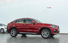 Hàng hiếm BMW X4 'rẻ hơn 700 triệu' chỉ sau 4.000 km, ngang giá mua mới Mercedes-Benz GLC 300