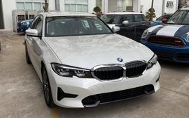 BMW 3-Series 2020 'giá mềm' về đại lý - Phả hơi nóng lên Mercedes C-Class và Audi A4