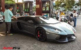 Đổ xăng đầy bình cho Lamborghini Aventador giờ chỉ tiêu tốn của đại gia Việt bao nhiêu tiền?