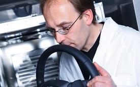Theo chân đội ngũ chuyên gia... ngửi xe mới của Audi