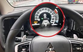 Mitsubishi Outlander đầu tiên Việt Nam nâng cấp đồng hồ điện tử 'full' chức năng, chủ xe tốn hơn 25 triệu đồng và 1 tuần nghiên cứu