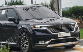 Kia Sedona 2021 lần đầu lộ diện ngoài đời thực: Vạm vỡ như SUV, chờ ngày về Việt Nam đấu Ford Tourneo