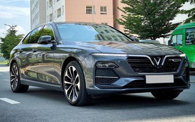 Chủ xe bán VinFast Lux A2.0 sau 4.000km rẻ hơn cả trăm triệu so với xe mới được hỗ trợ 100% trước bạ