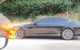Genesis G80 đầu tiên bốc cháy lạ thường, Hyundai sốt sắng vào cuộc điều tra nguyên nhân