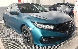 Honda Civic RS sơn màu độc hết 40 triệu đồng - Chiêu 'câu' khách mới của đại lý