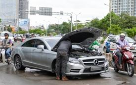 Mercedes-Benz tung gói hỗ trợ đặc biệt cho chủ xe tại Việt Nam: Có mặt 24/7, cung cấp xăng miễn phí, hỗ trợ y tế tới 140 triệu đồng