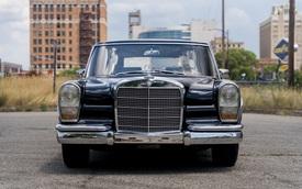 Rao bán limousine của cựu Ngoại trưởng Trung Quốc
