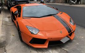 Cận cảnh Lamborghini Aventador LP700-4 độ hệ thống ống xả ngàn đô tại Sài Gòn