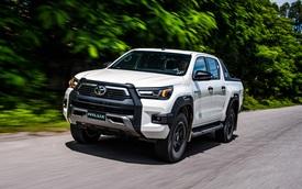 Toyota Hilux 2021 ra mắt tại Việt Nam: Giá từ 628 triệu đồng, nhiều trang bị, tăng tốc để đối đầu Ford Ranger
