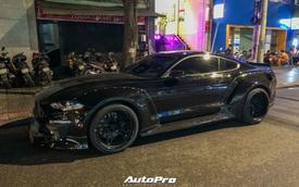 Bắt gặp Ford Mustang GT 5.0 độ bodykit thân rộng độc nhất Việt Nam