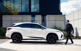 Không chỉ người Việt hâm mộ Lexus, khách Mỹ cũng đang chuộng dòng xe sang này và từ bỏ dần Mercedes-Benz