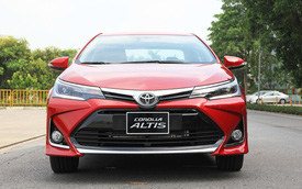 Chênh 30 triệu đồng, 2 phiên bản Toyota Corolla Altis vừa nâng cấp có gì khác biệt?