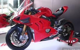 """Khám phá bộ đôi """"siêu"""" mô tô Ducati Panigale V4S và Panigale V2 2020"""