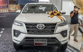 Chi tiết Toyota Fortuner 2021 bản rẻ nhất dưới 1 tỷ đồng: Trang bị thực dụng cho dân chạy dịch vụ