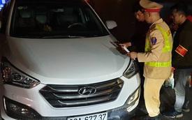 """Hà Nội: Lao thẳng vào """"chốt"""" 141, tài xế say xỉn bị phạt 40 triệu đồng và tước giấy phép lái xe 23 tháng"""