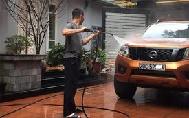 Sát Tết, kiếm tiền triệu mỗi ngày nhờ rửa xe